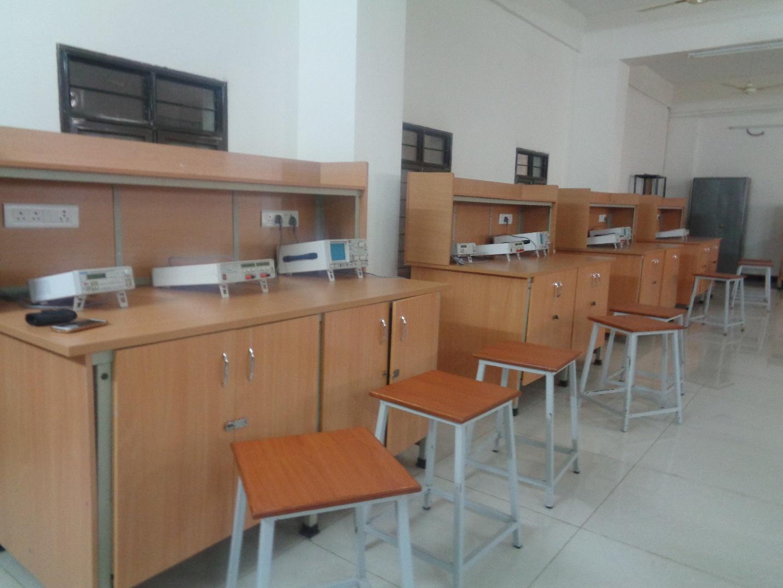 Laboratories Jntua College Of Engineering Kalikiri Electronic Circuits Laboratory Devices And Circuit Analysis Pulse Digital