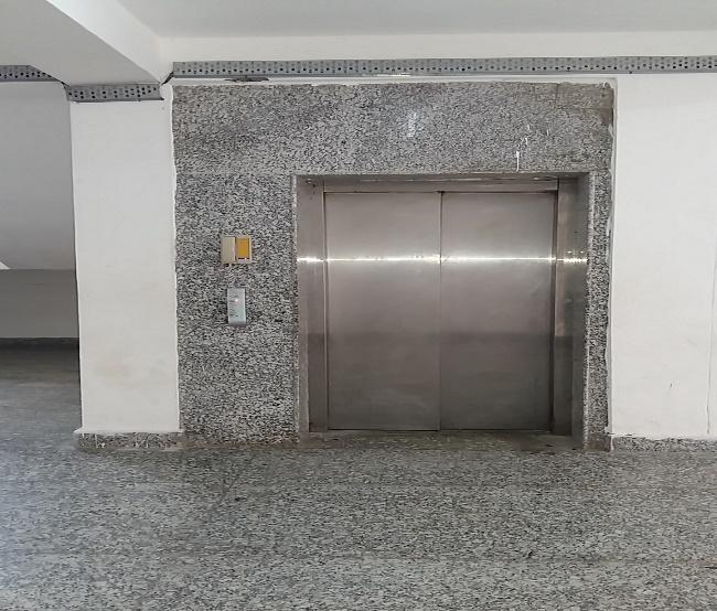 lifts in girls hostel